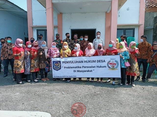News Bekasi Reborn Kades Medalkrisna H.Samid Giat Penyuluhan Hukum untuk Perangkat Desanya, Bukti Kepedulian Kades Terhadap Lingkungan
