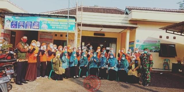 News Bekasi Reborn Asep Gunawan Kades Jayamulya dibantu Tiga Pilar dan Tim Medis Giat Vaksin Gratis C-19 untuk Lansia