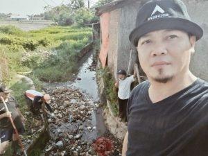 News Bekasi Reborn Mulyana Kades Bojongsari Semangat Gotong Royong Disamping Menjaga Silaturahmi Tetap Menjaga Lingkungan yang Bersih