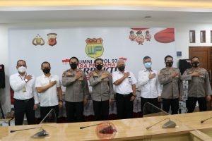 News Bekasi Reborn Alumni AKPOL 1997 Polda Jawa Barat, Gelar Bakti Sosial Wujud Kepedulian Bersatu Melawan Pandemik